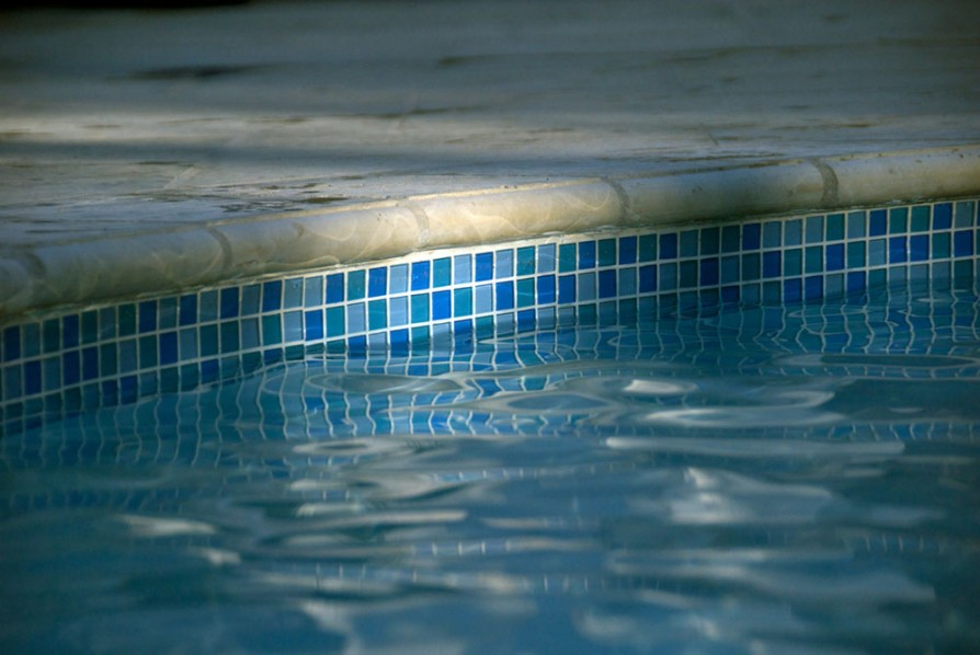 example of an oxford ms pool project - Tile and coping